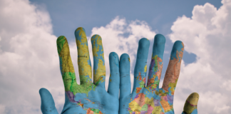 19 Advantages and Disadvantages of Globalization