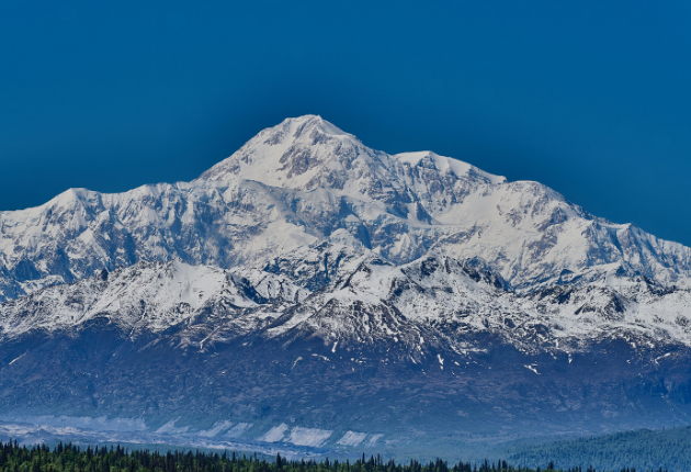 18 Living in Alaska Pros and Cons