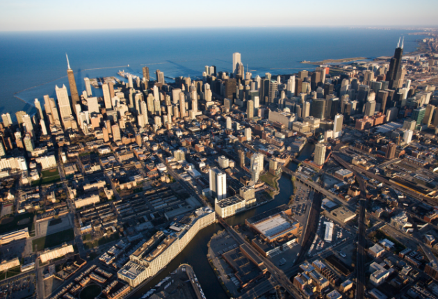 20 Living in Chicago Pros and Cons