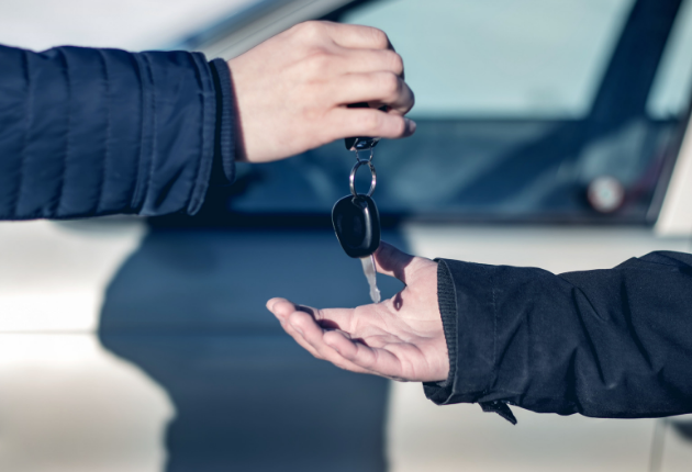 14 Pros and Cons of Being a Car Salesman