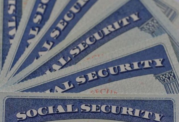 Pros and Cons of Privatizing Social Security